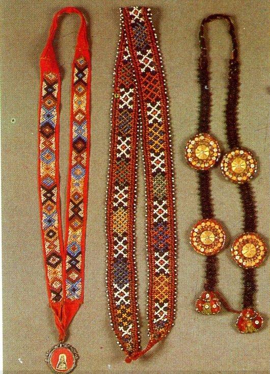 Старинные украшения из бисера