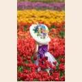 Алмазная вышивка квадратными камнями ГРАННИ «Девочка в тюльпанах»